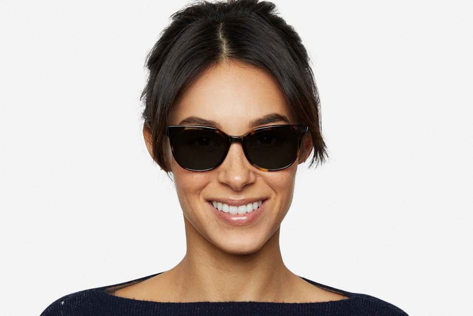 Kelvin sunglasses in whiskey tortoise on female model viewed from front
