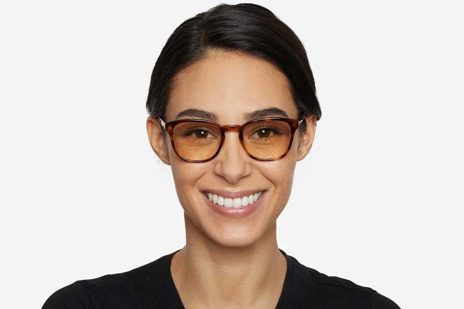 Tole sleepglasses in sazerac on female model viewed from front