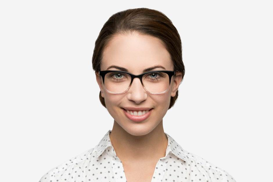 Hopper eyeglasses in manhattan fade on female model viewed from front